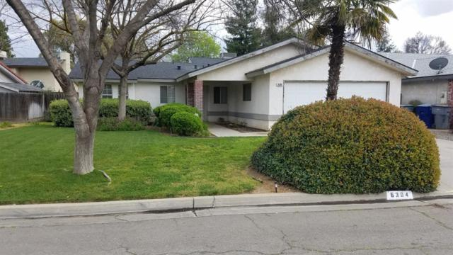 6304 N Ellendale Avenue, Fresno, CA 93722 (#519825) :: FresYes Realty