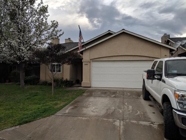 4307 N Carnegie Avenue, Fresno, CA 93722 (#519858) :: FresYes Realty