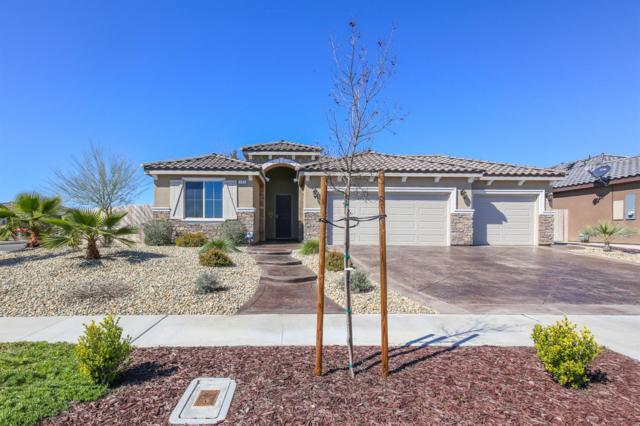 285 S Thomas Avenue, Kerman, CA 93630 (#520433) :: Soledad Hernandez Group