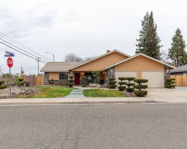 2384 W Garden Avenue, Porterville, CA 93257 (#520551) :: FresYes Realty