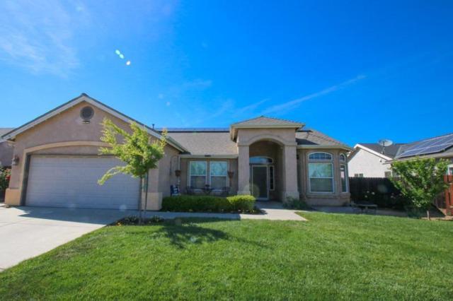 1740 Holt Avenue, Sanger, CA 93657 (#521048) :: Soledad Hernandez Group
