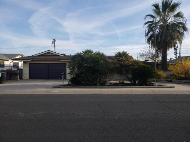 2927 E Laurel Avenue, Visalia, CA 93292 (#521062) :: FresYes Realty