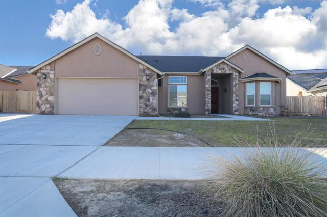 2779 7th Ave Drive, Kingsburg, CA 93631 (#521078) :: FresYes Realty