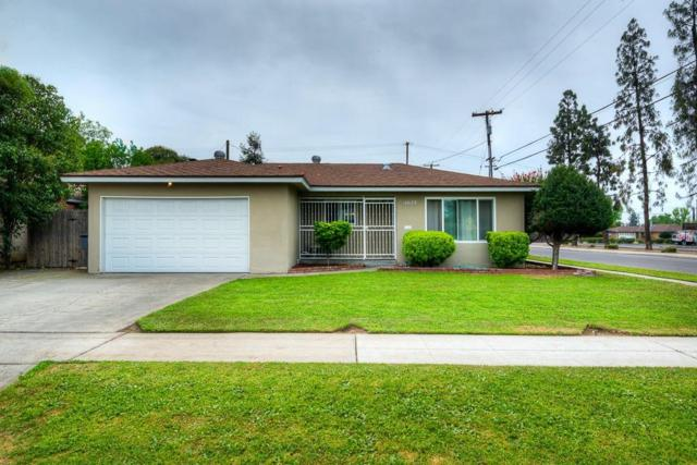 4628 N Bonadelle Avenue, Fresno, CA 93726 (#521094) :: FresYes Realty