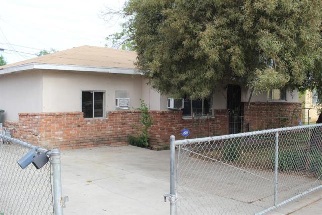 2454 S Rowell Avenue, Fresno, CA 93725 (#521336) :: FresYes Realty