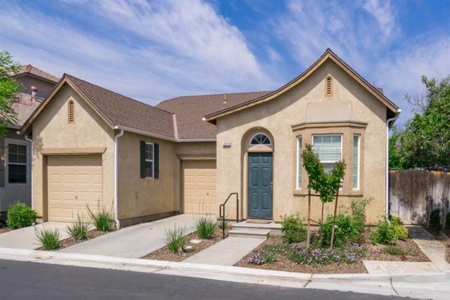 4074 W Peach Tree Lane, Fresno, CA 93722 (#521538) :: FresYes Realty