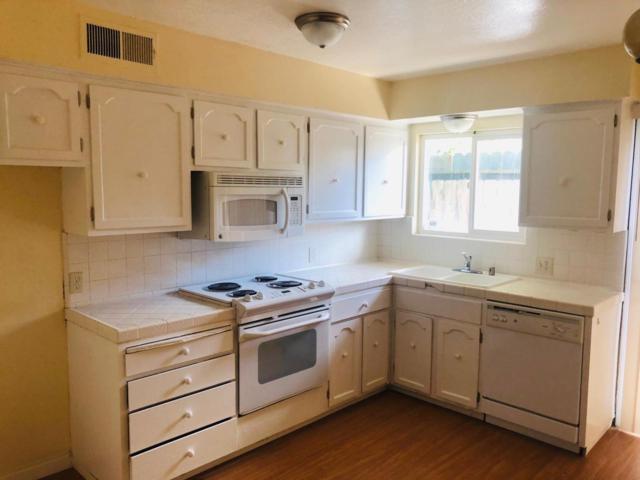3047 N West Avenue E, Fresno, CA 93705 (#521614) :: FresYes Realty