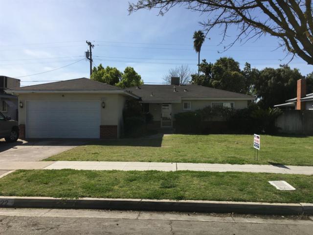 4322 E Buckingham Way, Fresno, CA 93726 (#521647) :: FresYes Realty