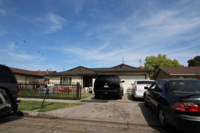 2309 S Jackson Avenue, Fresno, CA 93725 (#521709) :: Soledad Hernandez Group