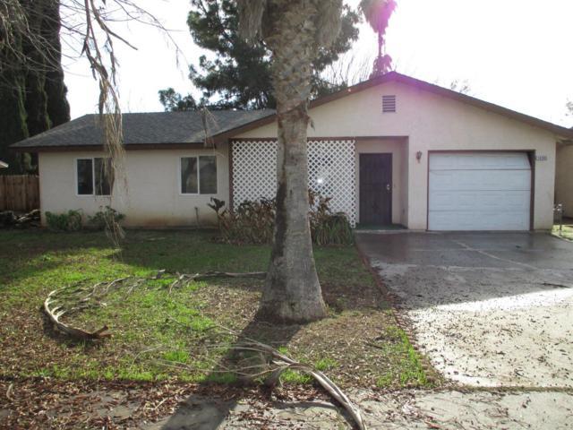 14585 W D Street, Kerman, CA 93630 (#521732) :: Soledad Hernandez Group