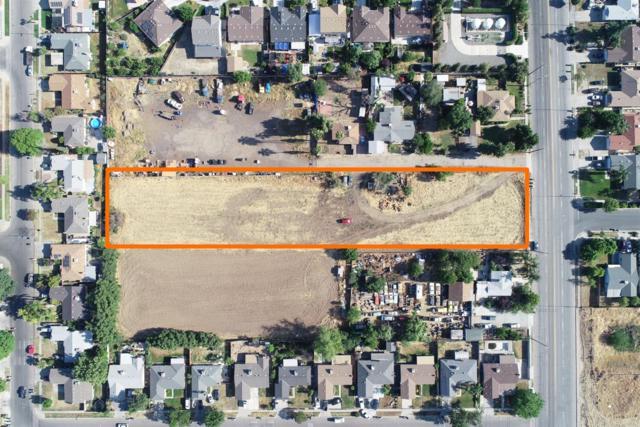 2536 S Maple Avenue, Fresno, CA 93725 (#522793) :: FresYes Realty