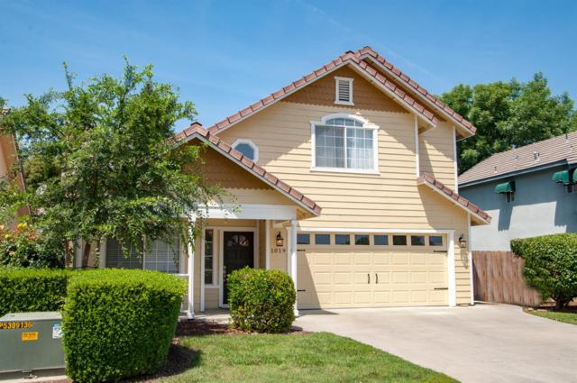 1019 S Pinkham Street, Visalia, CA 93292 (#523430) :: FresYes Realty