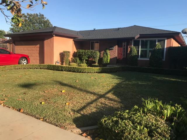 4462 E Ashcroft Avenue, Fresno, CA 93726 (#523480) :: FresYes Realty