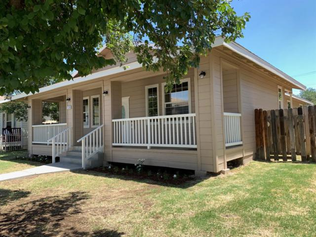 130 N Fulton Street, Fresno, CA 93701 (#523828) :: FresYes Realty