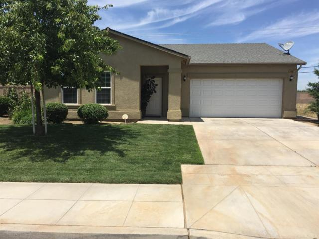 8469 Sierra Avenue, Parlier, CA 93648 (#524714) :: Raymer Realty Group