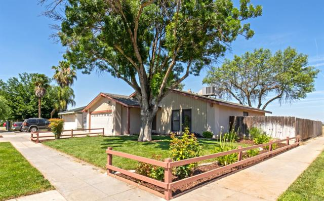2245 S Winery Avenue, Fresno, CA 93725 (#524947) :: FresYes Realty