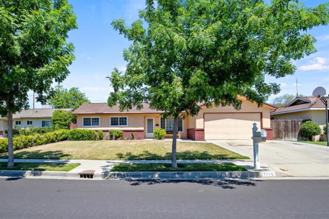 2225 Carter Way, Hanford, CA 93230 (#525376) :: FresYes Realty