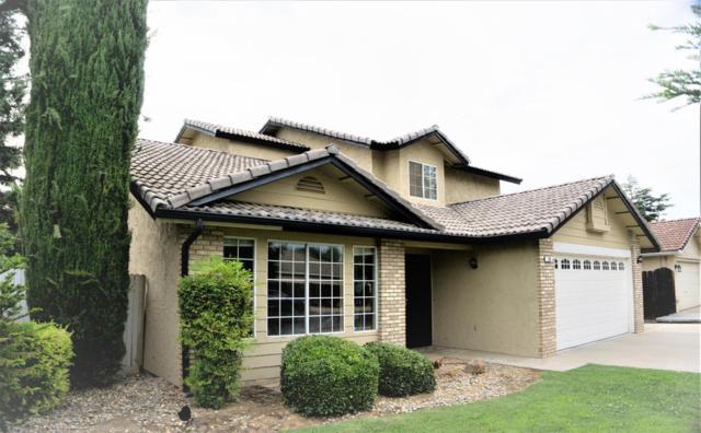 138 N Amber Avenue, Clovis, CA 93611 (#525548) :: FresYes Realty