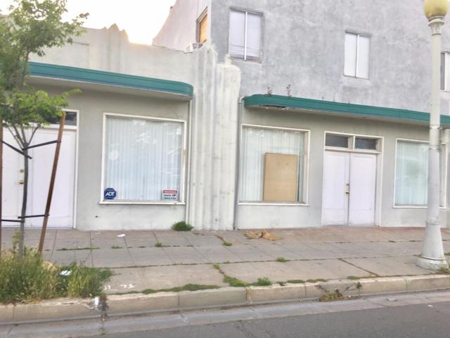 349 N Fresno Street, Fresno, CA 93701 (#525617) :: FresYes Realty
