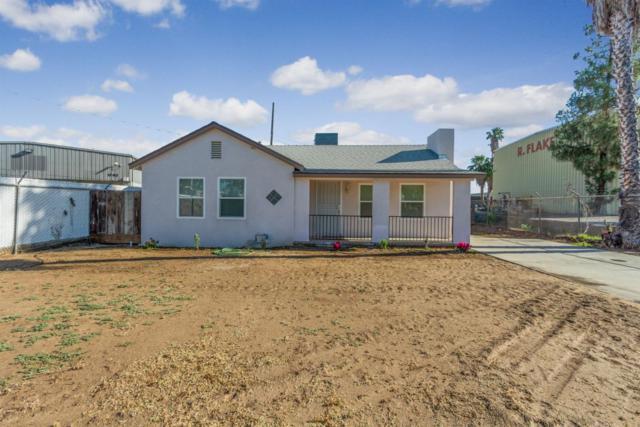 1732 W Pine Ave, Fresno, CA 93728 (#525659) :: FresYes Realty