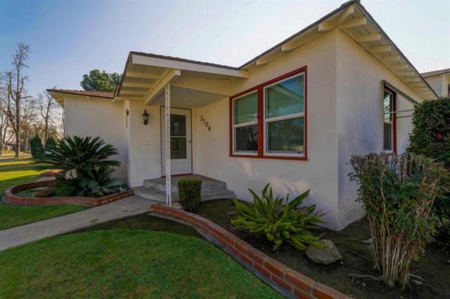 2306 E Harvard Avenue, Fresno, CA 93703 (#526012) :: FresYes Realty