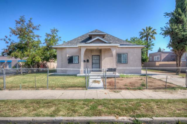 2525 E White Avenue, Fresno, CA 93701 (#526445) :: Realty Concepts