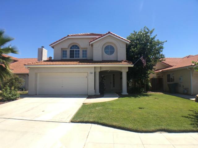1006 Robinson Avenue, Clovis, CA 93612 (#526710) :: FresYes Realty