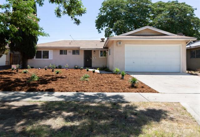 4420 N Dearing Avenue, Fresno, CA 93726 (#526852) :: FresYes Realty
