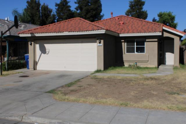 2242 N Brunswick Avenue, Fresno, CA 93722 (#527101) :: FresYes Realty