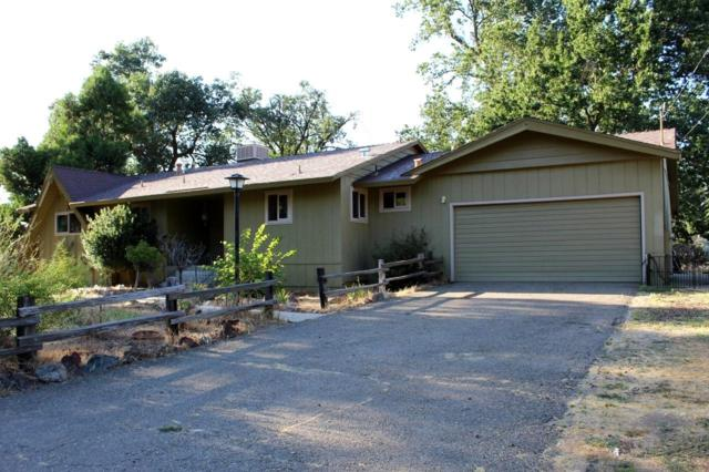48883 Royal Oaks Drive, Oakhurst, CA 93644 (#527102) :: Raymer Realty Group