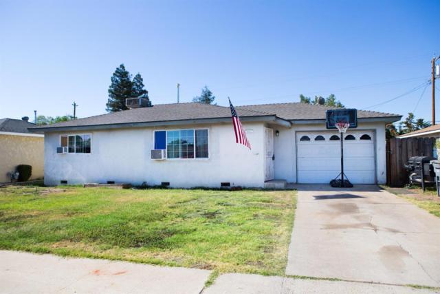 891 W Santa Ana Avenue, Clovis, CA 93612 (#527156) :: FresYes Realty