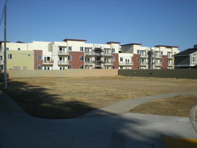 717 S Adler Avenue, Fresno, CA 93727 (#527467) :: FresYes Realty