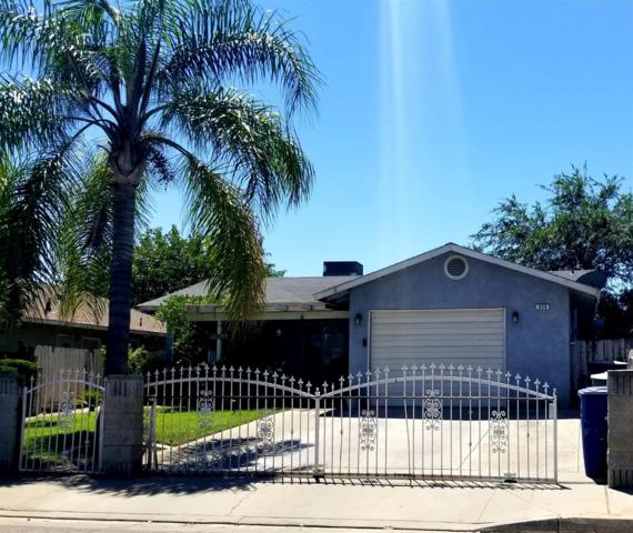 898 King Street, Parlier, CA 93648 (#527939) :: Raymer Realty Group