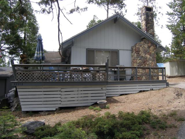 42012 Madrone Lane, Shaver Lake, CA 93664 (#528042) :: FresYes Realty