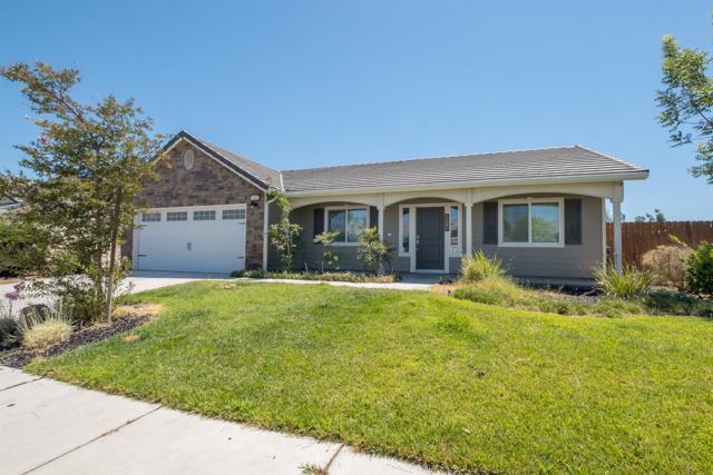 1547 Atlantic Avenue, Lemoore, CA 93245 (#528065) :: Raymer Realty Group