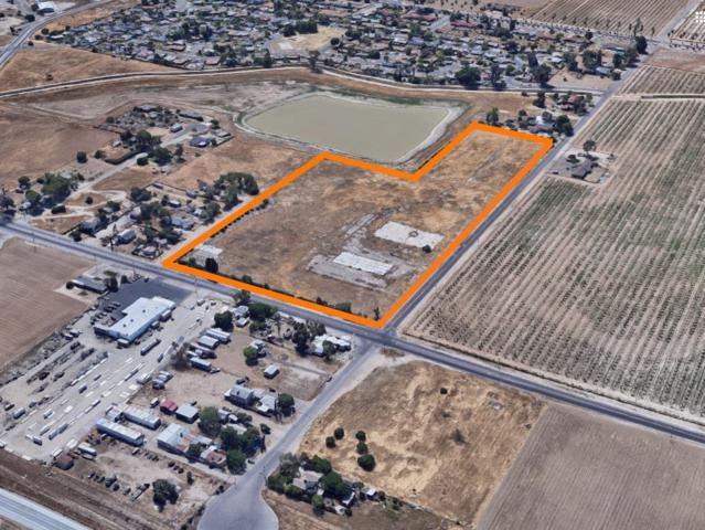 733 S Hughes Avenue, Fresno, CA 93706 (#528282) :: Dehlan Group