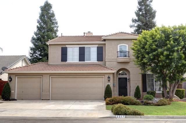 2217 E Everglade Avenue, Fresno, CA 93720 (#529962) :: FresYes Realty