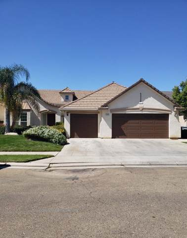 2622 Blackwood Avenue, Clovis, CA 93619 (#530709) :: Dehlan Group