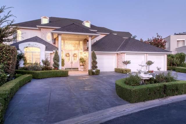 553 E Mariners Circle, Fresno, CA 93730 (#530848) :: FresYes Realty