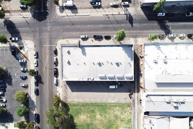 2345 Stanislaus Street, Fresno, CA 93721 (#531322) :: Your Fresno Realty | RE/MAX Gold