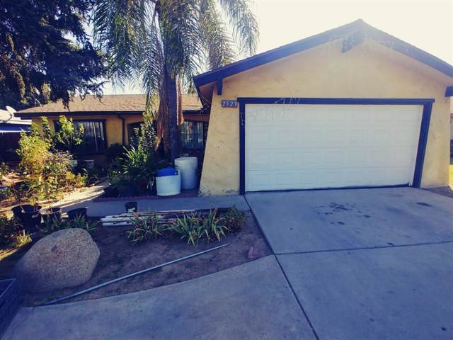 2523 S Maple Avenue, Fresno, CA 93725 (#531498) :: FresYes Realty