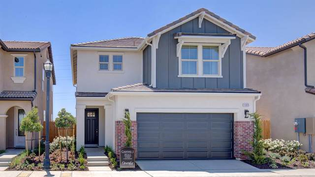 1325 E Via Viola Way Way, Fresno, CA 93730 (#532060) :: Your Fresno Realtors | RE/MAX Gold