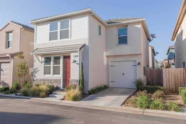 3735 Amity Lane, Clovis, CA 93619 (#532113) :: FresYes Realty