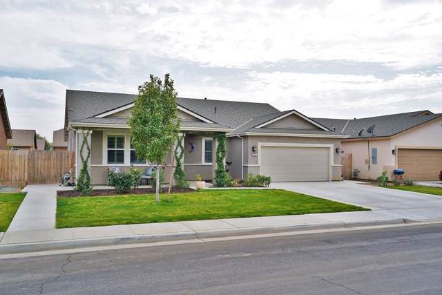 1341 W Willis Court, Hanford, CA 93230 (#532261) :: FresYes Realty
