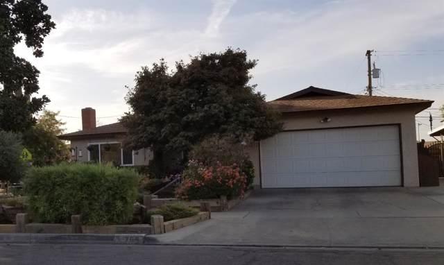 705 W Pontiac Way, Fresno, CA 93705 (#532939) :: FresYes Realty