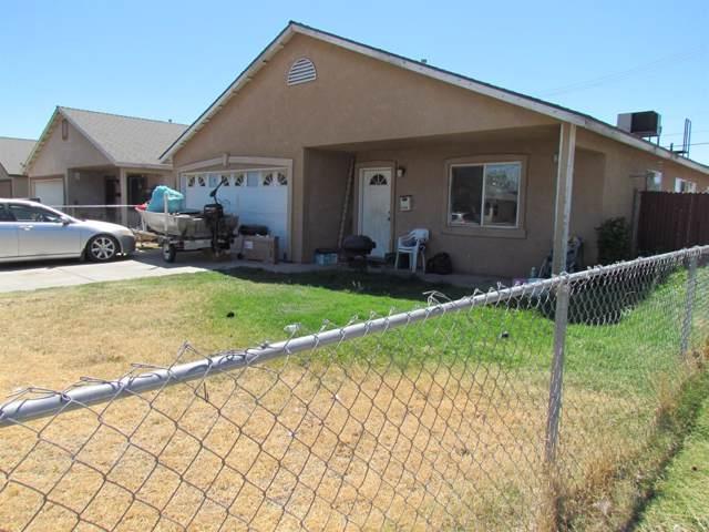 2404 S Poppy, Fresno, CA 93706 (#533287) :: FresYes Realty