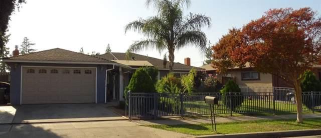 2743 W Indianapolis Avenue, Fresno, CA 93705 (#533314) :: FresYes Realty