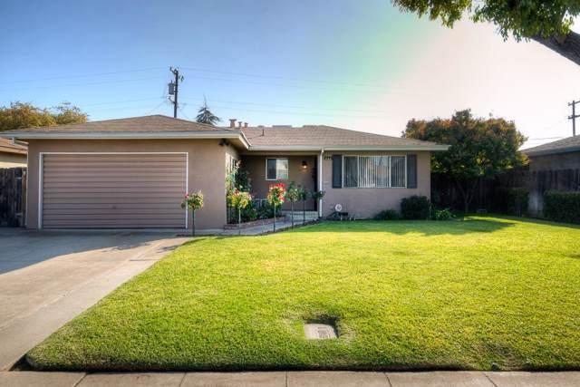 852 W Santa Ana Avenue, Clovis, CA 93612 (#533487) :: Raymer Realty Group