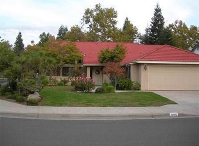 895 E Catalina Circle, Fresno, CA 93730 (#533546) :: Dehlan Group