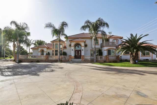8131 S Frankwood Avenue, Reedley, CA 93654 (#533570) :: FresYes Realty